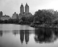 Rez Pano I_bw (Joe Josephs: 3,122,834 views - thank you) Tags: nyc newyorkcity travel travelphotography joejosephs â©joejosephs2017 centralpark centralparknewyork ©joejosephs2017 jacquelinekennedyonassisreservoir blackandwhitephotography
