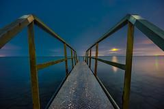 Moonrise (mcalma68) Tags: edam ijsselmeer lake seascape moonrise night longexposure jetty