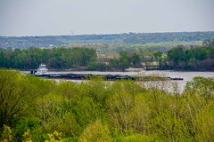Commerce on the Mississippi (EEngler) Tags: 2017 spring whitehouse whitehouseretreat stlouis missouri unitedstates barge riverbarge mississippiriver