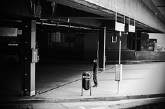 Waiting (Tom Cuppens) Tags: streetphotography straatfotografie photographiederues brussel bruxelles brussels bruxellesnord brusselnoord belgique belgium belgie bw blackandwhite noiretblanc zwartwit
