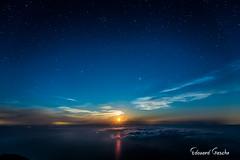 Levé de lune étoilé (Edouard G) Tags: italie stromboli etoiles lune sicile volcan lipari sicilia