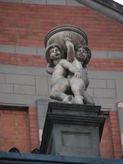 Palace Theatre (Terry Hassan) Tags: statue sculpture theatre figure charingcross london cambridgecircus terracotta putti bowl balustrade