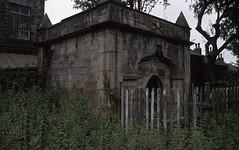 Scatcherd Mausoleum (Mark.Stevenson) Tags: morley ls27 churchyardofstmary troyroad scatcherdmausoleum