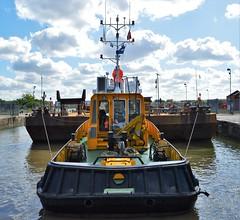 SWS Breda + Haven Seareach (7) @ KGV Lock 25-04-17 (AJBC_1) Tags: riverthames london ship boat vessel dlrblog england unitedkingdom uk ©ajc northwoolwich eastlondon newham londonboroughofnewham tug tugboat nikond3200 shipsinpictures barge royaldocks kgvlock kinggeorgevlock londonsroyaldocks docklands marineengineering swalshsonsltd swsbreda walsh damen cranebarge havenseareach damenmulticat2611 red7marine