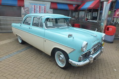 Ford Zodiac (Moldovia) Tags: ford car pointandshoot zodiac pointshoot fujifilmfinepixhs20exr