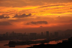 WJY_1516 (John Yau) Tags: sunset sky cloud hongkong kowloon