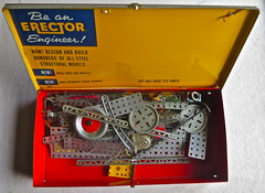1950s Erector Set Vintage Toy In Metal Box B (Christian Montone) Tags: toy toys machine 1950s collecting collector midcentury oldtoys erector vintagetoys mechanicaltoys