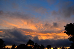 Cloudscape (Dave McGlinchey) Tags: sunset ice water clouds day cloudy atmosphere atmospheric vapour icecrystals cloudscapes optic d5000