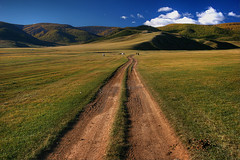 Mongolian Autobahn (hapulcu (offline until November)) Tags: road highway bumpy mongolia superhighway mongolie