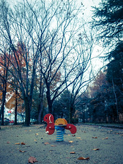 rainy lonely (jam343) Tags: park winter tree leaves japan leaf kyoto rainy  gr fushimi grd fujinomori  gr3  grd3 fukakusa