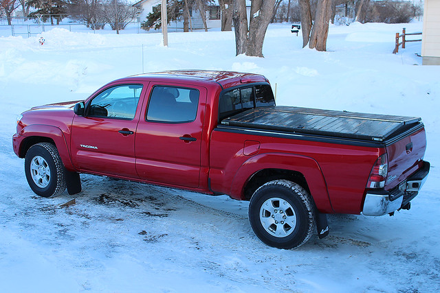 winter snow cold wisconsin january toyota tacoma snowfall wi toyotatacoma 2014 truckbox bedcover newrichmond barcelonared woodencover 2013toyotatacoma 2013tacoma january2014 january282014 trucklid truckboxlid