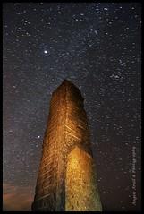 Mirando a la Via Lactea (ANGELS ARALL) Tags: night stars photography andrew escultura ibiza estrellas nocturna rogers fotografia megalitico eivissaibiza