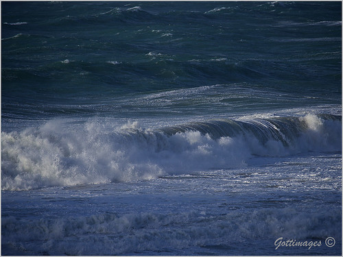 007_ATLANTIC WAVES by Philip Gott