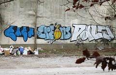 Crayons | Pencils | Créons (ǝɹpɹoʇǝɹɐןıɥd) Tags: brussel brussels bruxelles crayon crayons créons graffiti graph pencils potlood tag belgique belgium belgië streetart bart palo