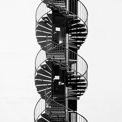 Helix (norbert.r) Tags: traveler compact architecture gebäude dc8300 abstract flickrchallengegroup sw fassade bw abstrakt