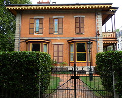 Vichy - Chalet Marie-Louise (Cherryl.B) Tags: vichy thermes thermal allier empereur napoléon chalet maison balcon fenêtres tourisme