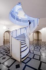 UK - London - Tate Britain - Spiral Stair 06_DSC5731 (Darrell Godliman) Tags: uklondontatebritainspiralstair06dsc5731 carusostjohn tatebritain tategallery tate museum gallery london architecture uk unitedkingdom contemporaryarchitecture modernarchitecture stair spiral white
