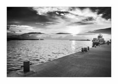 IMG_7801 (Carlos M.C.) Tags: holbox mañana madrugada despertar blanco negro color barco bote lancha ferry camarote rojo azul salvavidas amarre cuerda botes