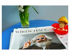 Marx is back - Merkel ist sauer (bruXella & bruXellius) Tags: stilllife stillleben naturemorte angelamerkel angie marx karlmarx zitronenpresse lemonsqueezer pressecitron journal gazette zeitung newspaper brussels bruxelles brussel belgium belgien belgique belgië leicax1