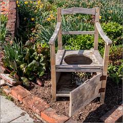 Der alte Leibstuhl / The old body-chair (ludwigrudolf232) Tags: stuhl leibstuhl garten pflanzen eressante komposition
