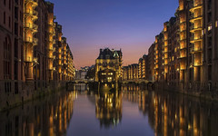 Wasserschloss (Fil.ippo) Tags: wasserschloss water speicherstadt warehouse sunset tramonto hdr longexposure filippo filippobianchi d610 castello acqua hamburg amburgo