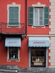 gioielli adamas (dan.boss) Tags: windowshutters red facade jewellery locarno ticino switzerland