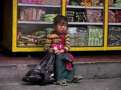 NEPAL, Auf dem Weg nach Pokhara, Mädchen, 16029/8290 (roba66) Tags: kind child girl cute mädchen people menschen reisen travel explore voyages roba66 visit urlaub nepal asien asia südasien pokhara kid kinder children kids