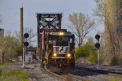 NS 21N - River Rouge, Michigan (Tyler Pate) Tags: nikond7000 nikonphotography riverrougemichigan ns8856 ns21n norfolksoutherncorp