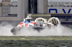 Hovercraft (Bernie Condon) Tags: southampton woolston weston sea water solent southamptonwater hovercraft craft aircushionvehicle vehcile aircraft boat hybrid passenger ferry