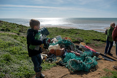 Isle of Wight Beach Clean at Compton Bay - DSCF2115 (s0ulsurfing) Tags: s0ulsurfing 2017 march isle wight beachclean pollution coast compton beach rubbish