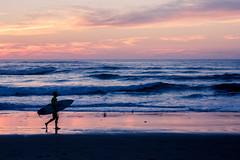Fin de journée face à l'océan (Frantz.jrf) Tags: paysbasque sunset beach surfer atlantique
