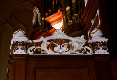 Bolsward, Friesland, Martinikerk, near the organ (groenling) Tags: wood carving organ violin nl hobo friesland oboe hout woodcarving orgel partij bolsward viool martinikerk frysln houtsnijwerk hinsz snijwerk boalsert partbook oargel fiool mmiia