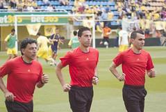 3 Referee (Teremin2004) Tags: football soccer futbol villareal leicam8 elmar135mmf4 ascensovillareala1