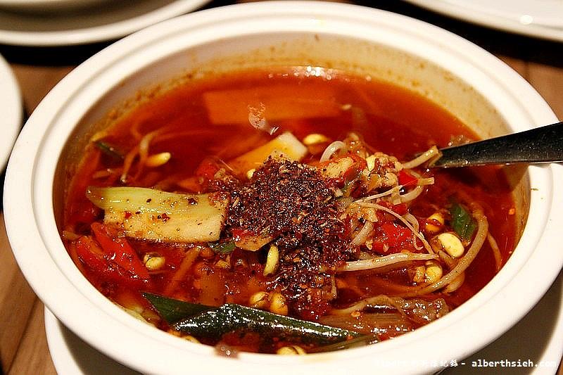 台北信義.Kiki餐廳:水煮牛肉JPG (2)