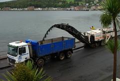 (Zak355) Tags: mercedes construction roadworks trucks rothesay isleofbute actros tippertruck roadresurfacing