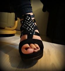 Hanne's shoe (Jaedde & Sis) Tags: black foot shoe niece footwear stiletto hanne friendlychallenges challengefactorywinner thechallengefactory