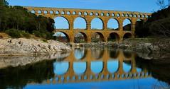 Le pont du Gard (Antonio Cinotti ) Tags: france reflection architecture mirror roman romano tamron pontdugard francia riflesso d60 romanarchitecture acquedotto nikond60