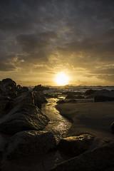 Pr-do-Sol / Sunset (Nuno's Photo Warehouse) Tags: sunset sea praia beach portugal canon mar prdosol gaia miramar pds vilanovadegaia 2013 nunofrocha