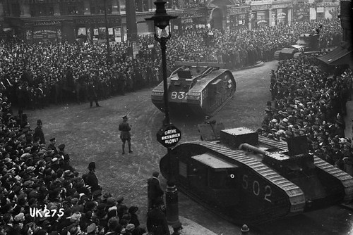 The ROH during World War I: Suffragettes, star names and shut doors