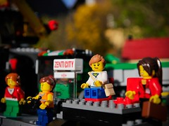 I saw your face in a crowded place... (zenti66) Tags: ifttt 500px lego makro fun happy james blunt beautiful girl