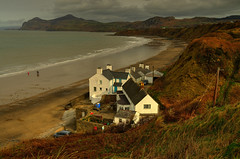 Nefin...North Wales(UK) (alex.vangroningen) Tags: sea mountains dunes house white clouds sky grass nikond7000 nikon18200mm northwales wild outdoors depth shoreline sand waves roofs windows colours