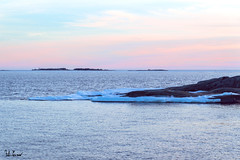 Uunisaari, Helsinki (Fabio Cevrero) Tags: uunisaari helsinki helsingfors sea mare suomi finland finlandia winter ice isle ile isola tramonto north europe landscape atmosfera rocks nikon d3200 paesaggio marino