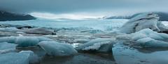 Fjallsàrlón (jeanineleech) Tags: fjallsàrlón mountainglaciallagoon fjallsarlon glacier vatnajokull iceland rain gloomy pano panorama panoramic