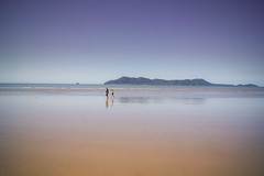 Couple by the sea II (Josué Godoy) Tags: playa plage beach sea seascape mar mer australian australia people gens gente