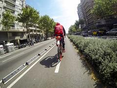 Personatges en bici de la Barcelona ciclista #metreimig - 23è dia 30DEB (xavi.calvo) Tags: 30 días en bici 30daysofbiking instagram instagood instaday instabike instabikes biker ciclista ciclismo altrabajoenbici enbicixbcn bike bcn bikelove instabicycle ridebarcelona amics de la alegre 30deb 30dob bicicleta biciurbana mejorenbici movilidadsostenible monocromático cavalldacer