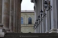 DSC00883 (stefano.111) Tags: 50mm colonnato colonnade prospettiva perspective architettura architecture munich münchen