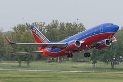 Southwest Airlines // Boeing 737-7H4 // N290WN (cn 36632, ln 2363) // KCMH 4/28/17 (Micheal Wass) Tags: cmh kcmh johnglenncolumbusinternationalairport johnglenninternationalairport johnglennairport wn swa southwest southwestairlines boeing 737 boeing737 737700 boeing737700 7377h4 boeing7377h4 boeing737nextgeneration 737ng b737 n290wn aerotagged aero:airline=swa aero:man=boeing aero:model=737 aero:series=700 aero:tail=n290wn aero:airport=kcmh