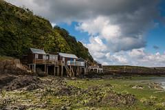 Les cabanes du Valais (Oric1) Tags: 22 beach canon côtesdarmor france saintbrieuc armorique breizh bretagne brittany eos gr34 maritime mer plage sea sky sigma1835mmf18dchsmart 70d oric1 jeanlucmolle