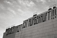 (tmkbnn) Tags: prakticabx20 slr singlelensreflex smallformat 35mm 135 film filmphotography kodak400tx bw blackandwhite berlin politicalgraffiti housewall chimney tomek bwfp