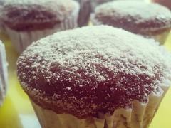 Banana cupcake (Samila Carvalho) Tags: cupcake bolinho bolo cake banana delicius gostoso celular cel açucar sugar